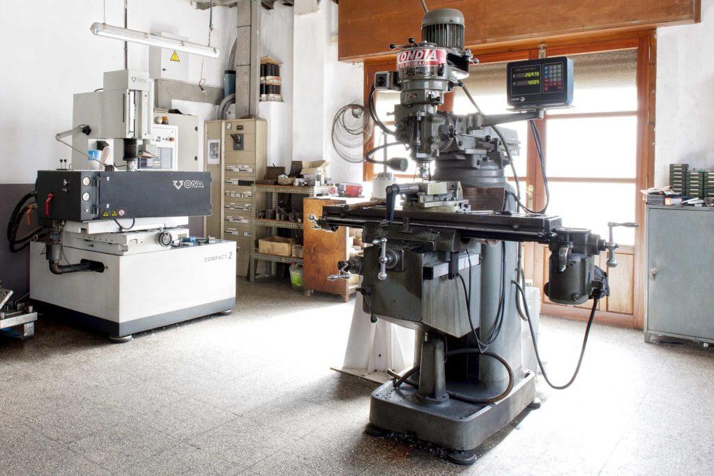 maquinaría fabricación moldes
